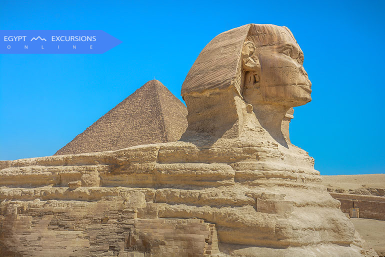 Pyramids day trip from Aswan by flight